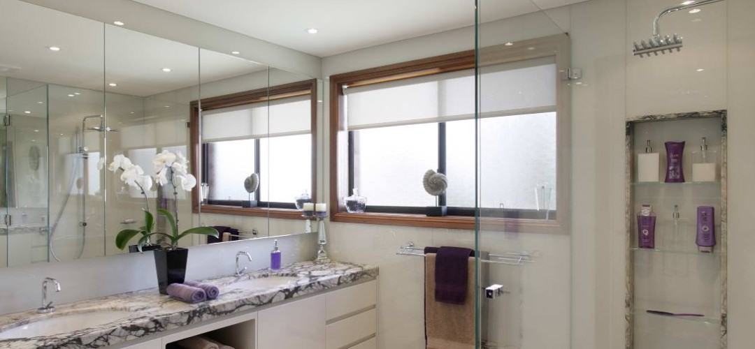 Bathroom Glass Wall Cladding